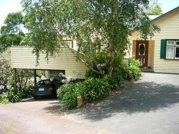 Newmarket Furnished Room $195pw!