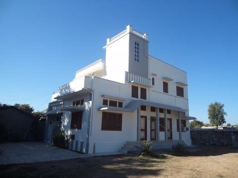 Rajpura bungalow near Ranakpur