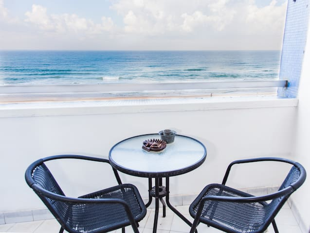 Apartment with a Perfect Sea View - Bat Yam