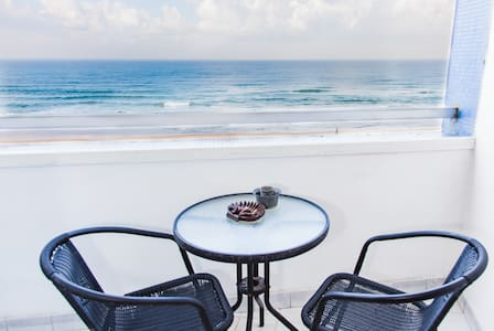 Apartment with a Perfect Sea View - Bat Yam - Huoneisto