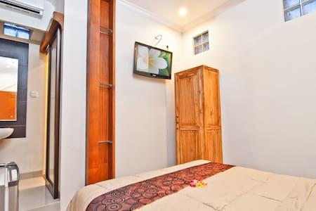 Guesthouse KutaEcoStay for greenies - Kuta - House