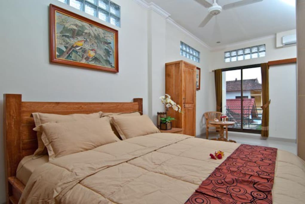 Suite Room: 2BR Connecting door, with a kichen refridgerator, 2 LCD TV, WIFI for 24 hour, hot water shower, balcony