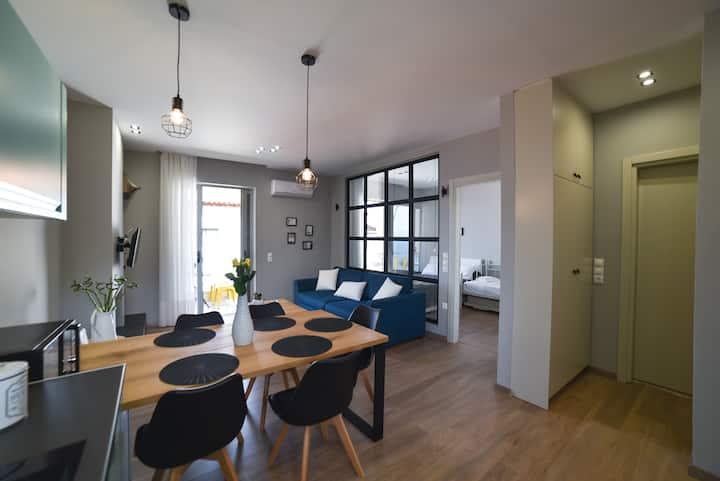 Μοναδικό παραθαλάσσιο διαμέρισμα
