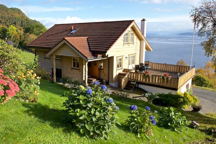 Holiday Apartment - Heggdal Fjord-og Fiskeferie