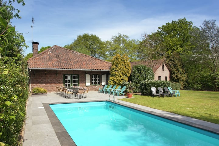 Magnificent Farmhouse in Sint Joost with Private Pool