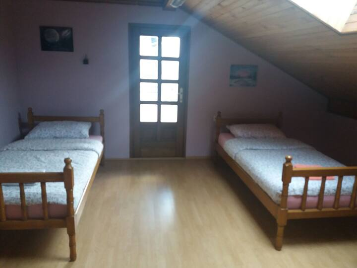 Private room (twin bed) with breakfast