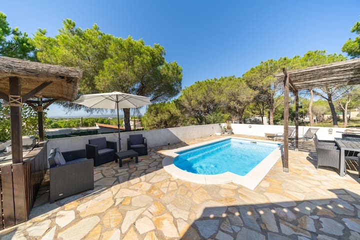 Antonella: House with large garden and private pool