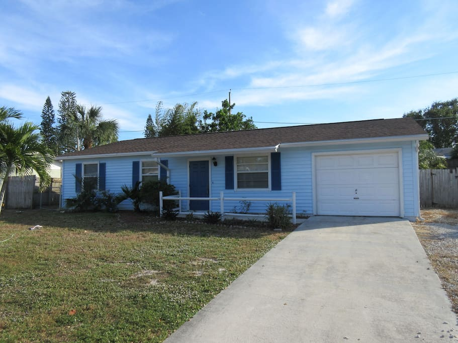 3 Bedroom Pool Home In Jensen Beach Fl Houses For Rent In Jensen Beach Florida United States