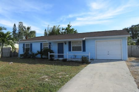 3 bedroom Pool home in Jensen Beach, Fl - Jensen Beach - House