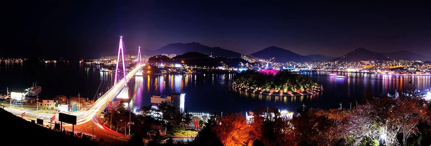 여수밤바다 야경이 멋있는곳~~ 오셔서 즐기세요^^ - Jungang-dong - Apartemen