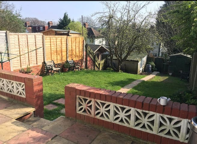 Beautiful 4 bedroom Family Home - Bromley - Haus