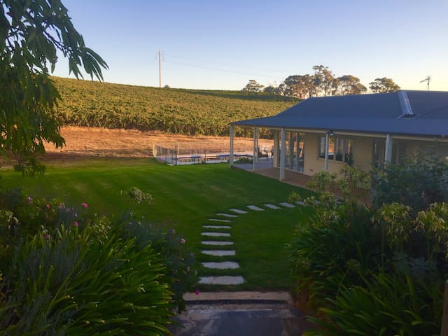 O'Briens of Clare - Stylish Vineyard Accommodation