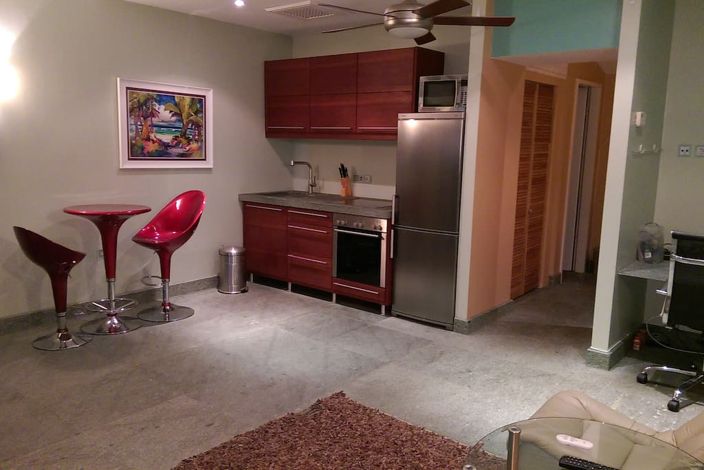 Dining/kitchenette