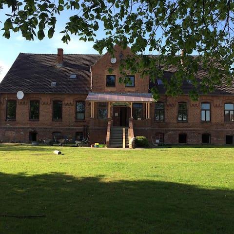 Ferienwohnung im Gutshaus Wackerow