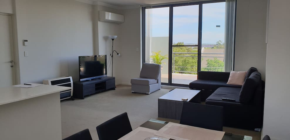 Modern furnished apartment close to everything