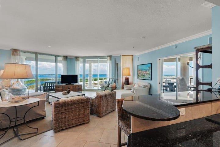 Snowbird Values in Luxury 3B Condo Pensacola Beach