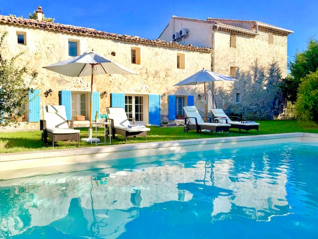 Deluxe B&B in heart of Provence, private terrace