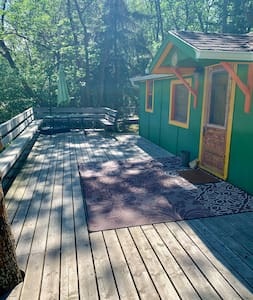 Gimli Cottage: central to exploring the Interlake