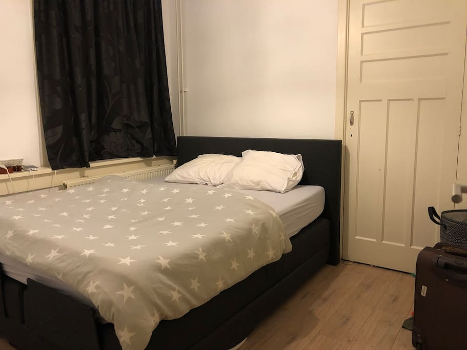 Picture of the bed room. It's a double bed.