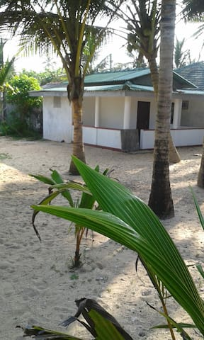 Anil's Beach Inn