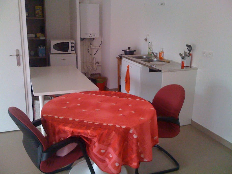 chambre partager 2 houses for rent in champigny sur