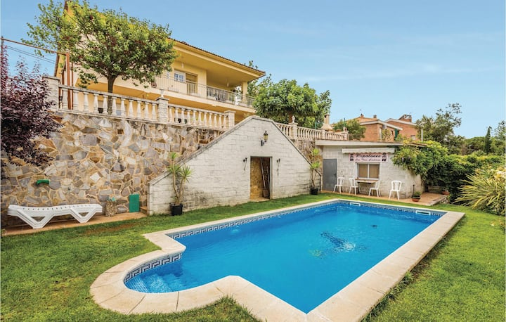 Awesome home in Tordera with WiFi and 3 Bedrooms