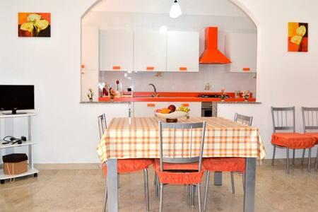BL010B - Appartamento primo piano 6 posti letto - Balestrate