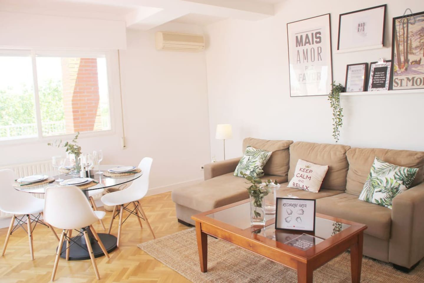 Welcome to sunny Wanda Penthouse, a Modern and large home in the area of the...
