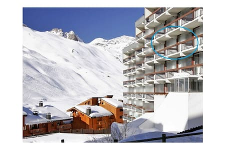 April: Studio*4 - Tignes Val Claret - Tignes
