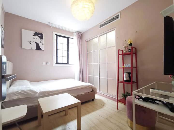 近2/12/13号线南京西路站太古汇广场温馨独用一居室