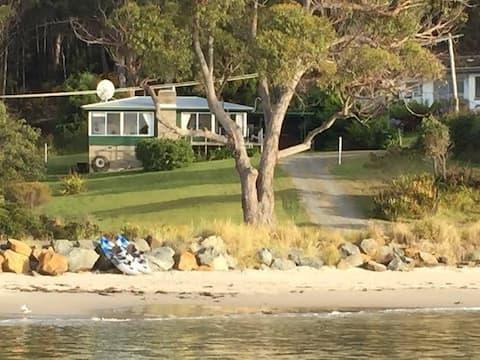 Summertime Cottage Tasmania