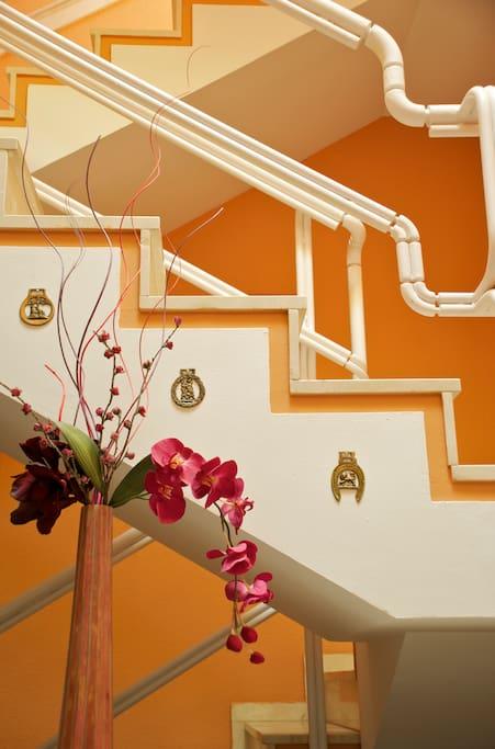 decoracion en la escalera