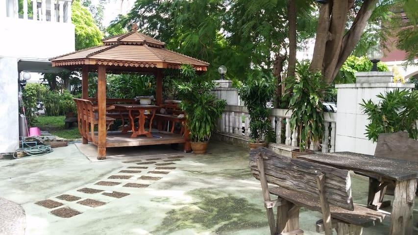 CLOSE TO BEACH ROAD - Muang Pattaya - Departamento