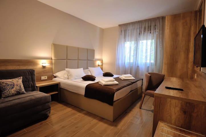 Villa Divani