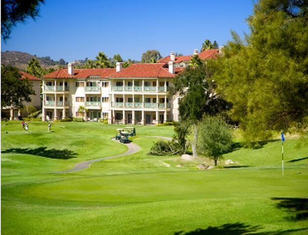 Welk resort 580 qft one bedroom Suite Max 4 guests