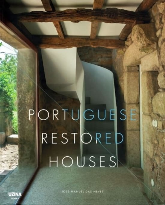 "Frontpage of the book "" Portuguese Restored Houses"""