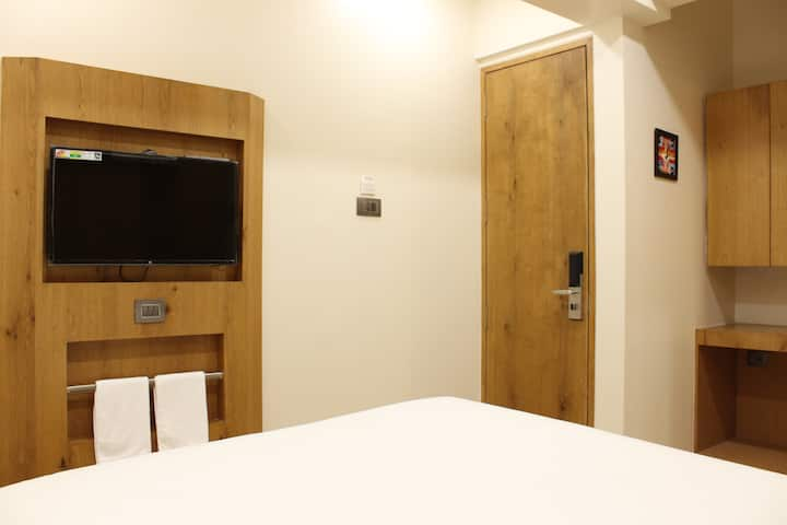 Hotel Opal Bloom Executive Room Mumbai