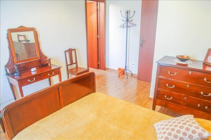 Exceptional 4BR Ribeira Grande Home w/Beautiful Mountain Views - São Brás, Ribeira Grande - Talo