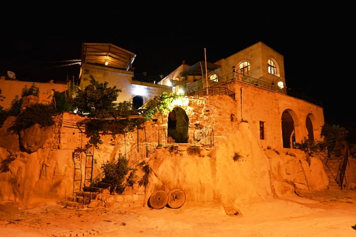 Cappadocia Akköy Evleri Cave Rooms - Akköy - Bed & Breakfast