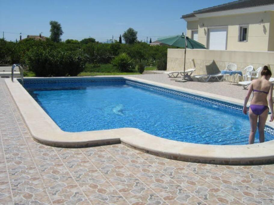 Zwembad van 12 x 5,5m