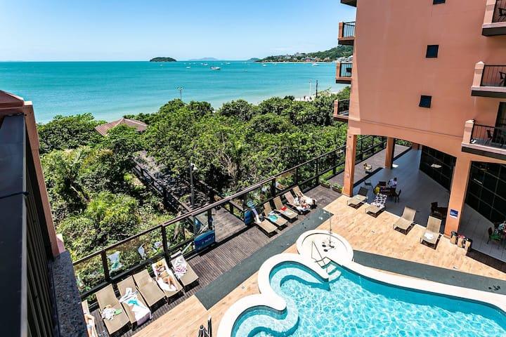 Resort - Studio Renovated sea / pool view JBV224