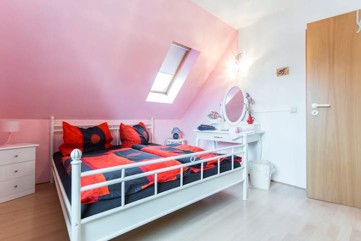 Cosy light room , great access to the center - Berlín - Casa