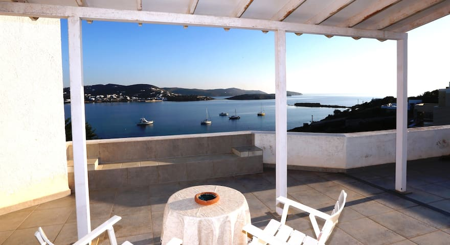 Syros waterfront Villa Marfo - Finikas - Casa