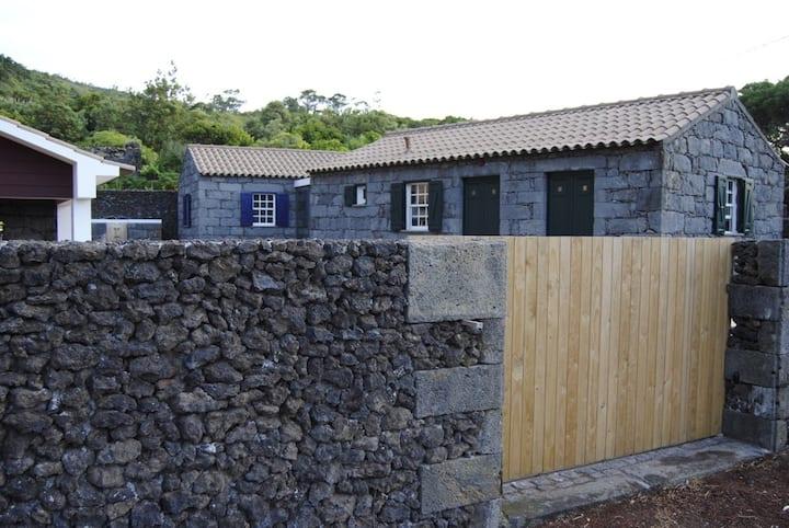 Casas da Fajã - House Azul&Verde