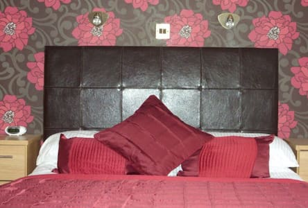 Modern double room, village centre - 烏拉普爾(Ullapool)
