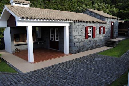 Casas da Fajã - House Bordeaux - Praia do Norte