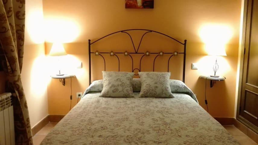 LA CALETA Apartamento rural  6 pax-Segovia Avila