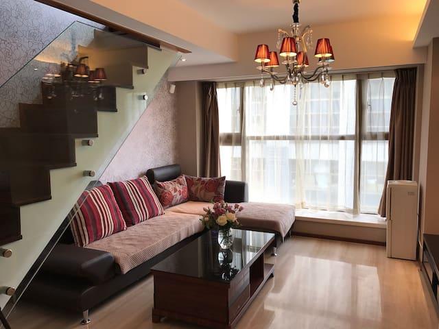安静复式公寓,空间俊园,昆明市中心,近翠湖公园、文林路 - 昆明 - Daire