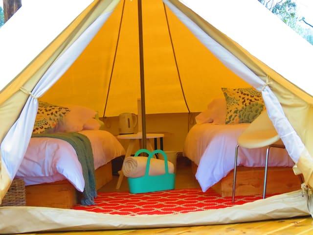 Habitación para 2 o 3 personas con opción de cama queen y/o camas sencillas