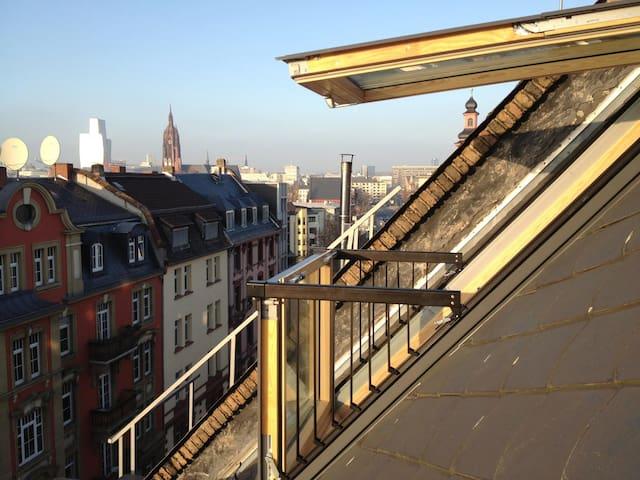 New Rooftop loft in hip Sachsenhausen